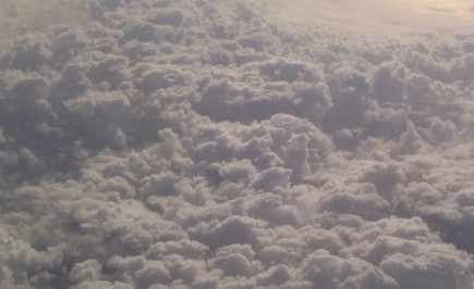 800px-Clouds_from_airplane